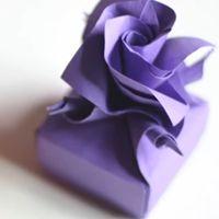 折り紙でカーネーション