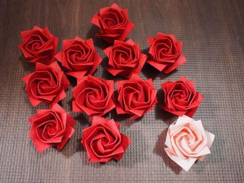 バラを12個折ったところです