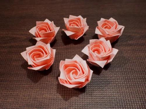 6個バラを折りました