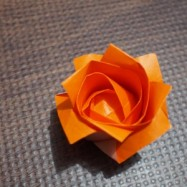 【折り紙】1分で折れない1分ローズの折り方